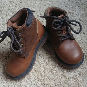 OshKosh toddler boys boots shoes brown size 6